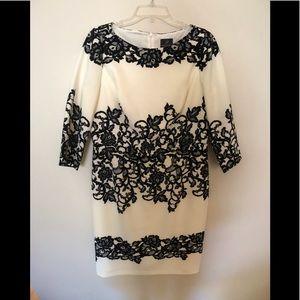 Adrianna Papell Dress Beautiful  Black/white